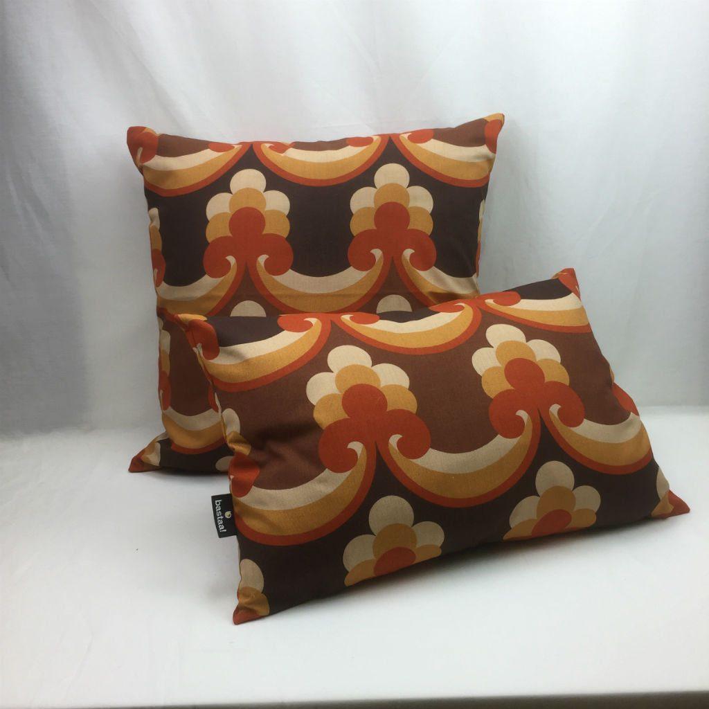 patroon bruin oranje retro   Bastaa!